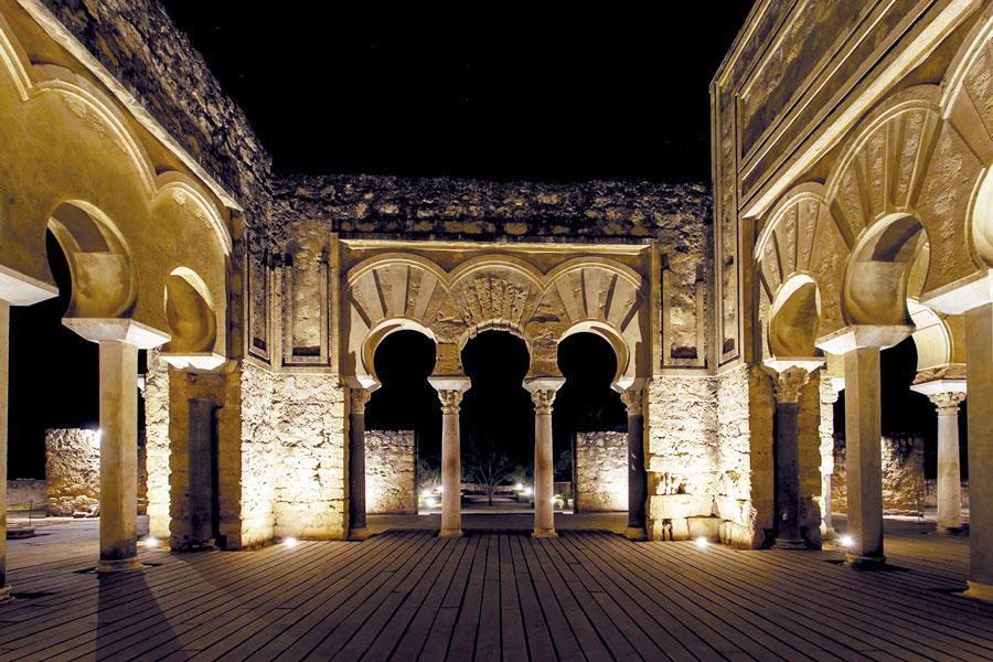 Visita nocturna medina azahara tutto c rdoba - Visita mezquita cordoba nocturna ...